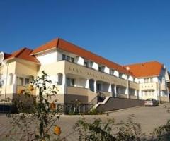 Triász AparthotelApartman Hotel Kehidakustány