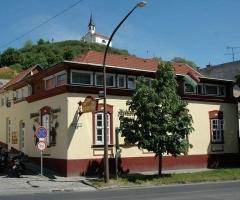 Alabárdos Panzió és ApartmanházVendégház Esztergom