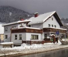 Stuhleck Cafe-Pension s`PlatzlPanzió Spital am Semmering