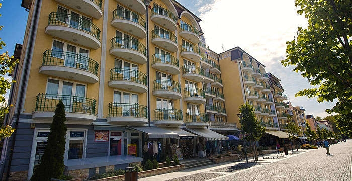 """THE BEST HOTEL IN HÉVÍZ"""